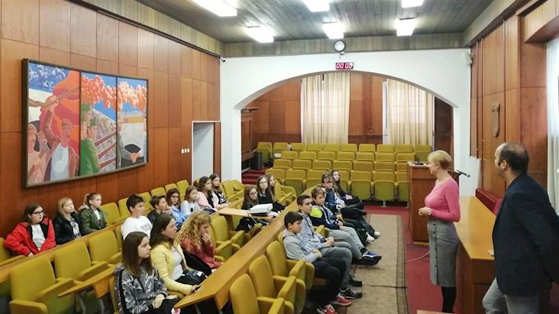 Labinski učenici s kolegama iz Slovenije posjetili gradsku upravu