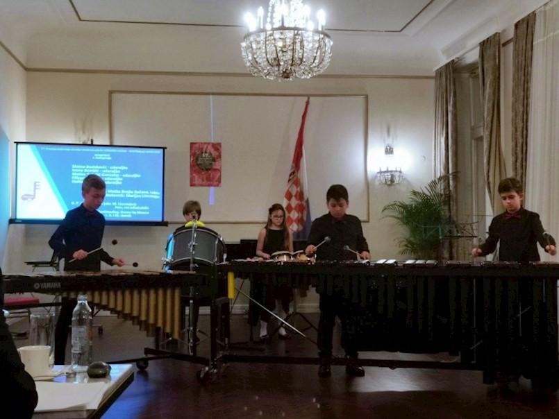 Udaraljkaškom ansamblu Bum Bam prva nagrada 57. regionalnom natjecanju komornih sastava