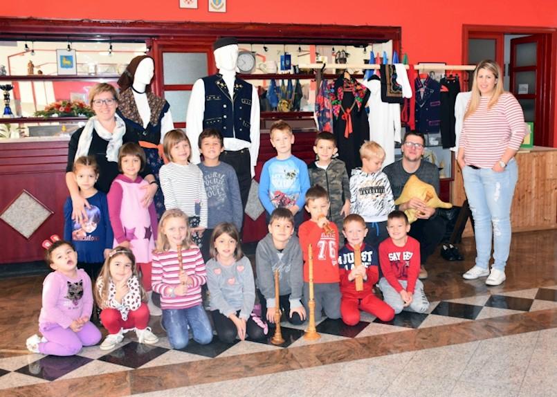 Djeca iz vrtića posjetila RKUD Rudar