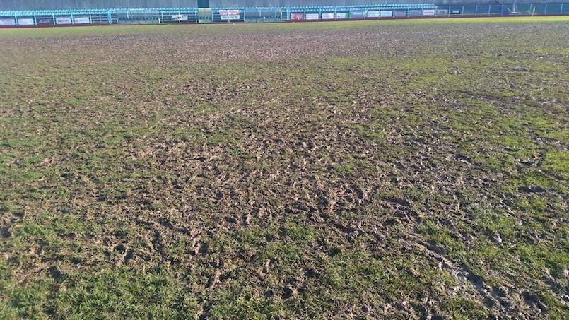 Uništen travnjak labinskog gradskog stadiona