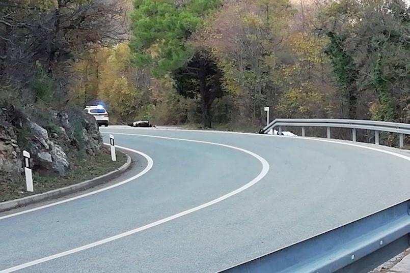 Teška prometna nesreća kod Plomina. POGINUO 35 godisnji MOTOCIKLIST