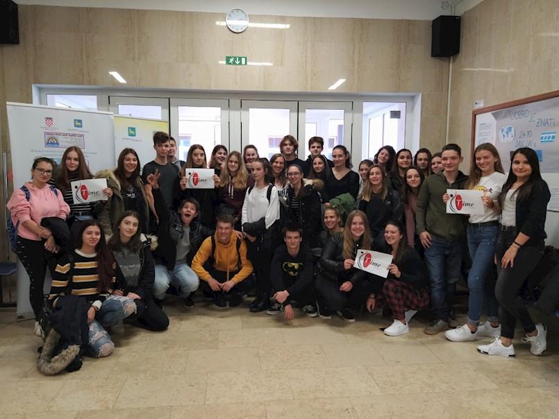 """Labinski srednjoškolci obranili naslov prvaka na svjetskom natjecanju """"Unite the Nations"""""""