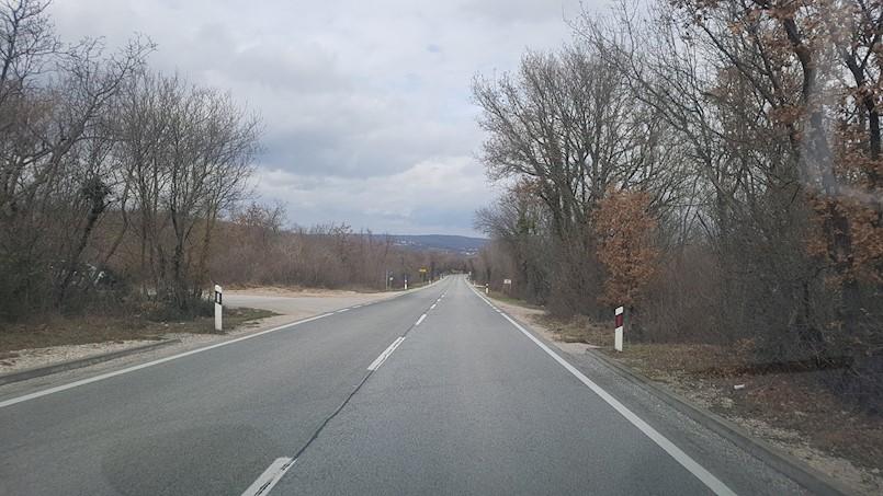 Salakovci: teško ozlijeđene dvije vozačice, brzina i alkohol kumovali nesreći