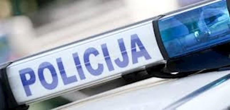 Na području Kršana vozač Opela zabio se u Audi i PREVRNUO GA NA KROV