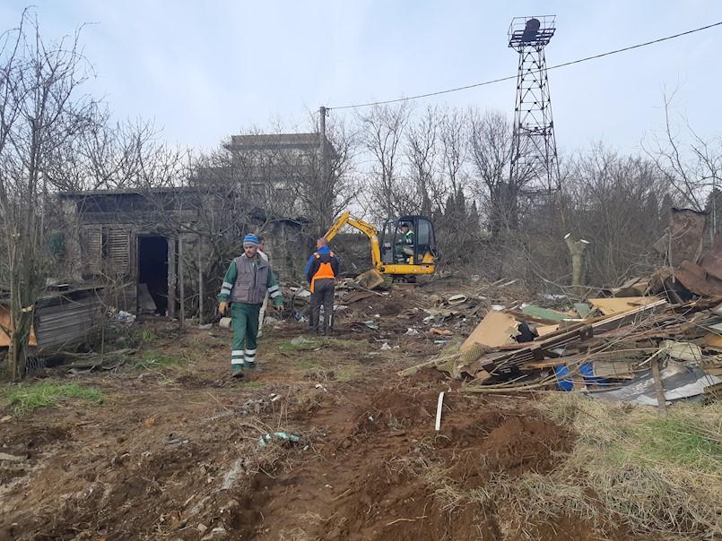 Čišćenje terena na Krvovoj placi