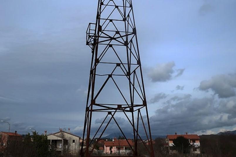 KARVOVA PLACA - VINEŽ - LABINSKA REPUBLIKA 1921, udruga koja će promicati i razvijati rudarsko-kulturnu baštinu. Među prioritetima su OBNOVA VODOTORNJA IZ 1915., ZGRADA VAGE I TELEFONSKE CENTRALE IZ 1890.