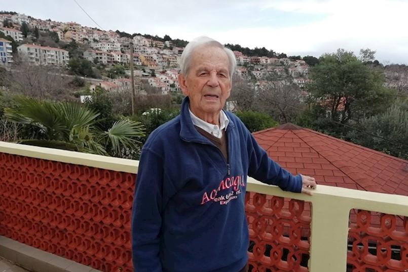 """ANTON TONI GREGORIĆ IZ RAPCA DANAS SLAVI 100. ROĐENDAN """"Nadam se da ću smjeti i dalje voziti, to bi mi produžilo život za nekoliko godina"""""""
