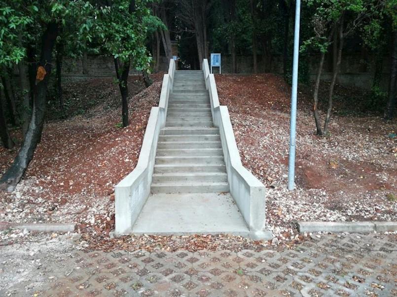 Nove pristupne stepenice za rabačko groblje