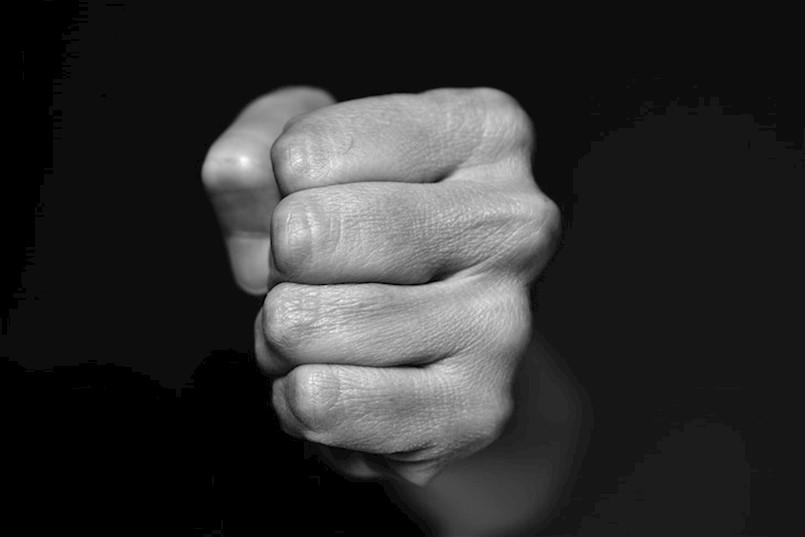 INCIDENT NAKON NOGOMETNE UTAKMICE KADETA U VINEŽU Trojica muškaraca najprije su se (po)svađala, pa je došlo do naguravanja...