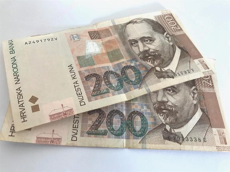 Kreću pripreme za isplatu blagdanskih bonova: Umirovljenici, dostavite Gradu Labinu svoj IBAN