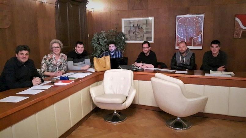 Javni poziv za isticanje kandidature za izbor članova Savjeta mladih Grada Labina otvoren do sutra