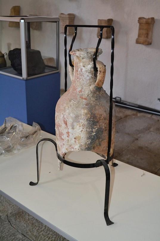 U Narodni muzej Labin vraćena amfora i više dijelova oplate rimskoga broda