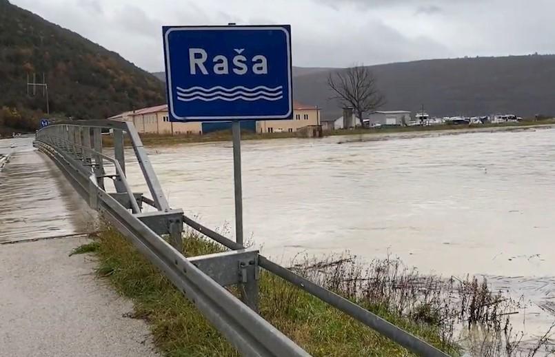 Visok vodostaj rijeke Raše