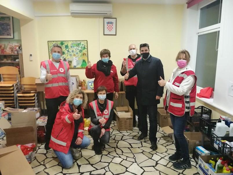 Gradonačelnik Glavičić posjetio dežurne službe i Radio Labin