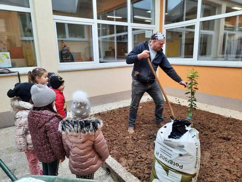 "DV ""Pjerina Verbanac"" započeo projekt ""Dijete, okoliš i održivi razvoj"""