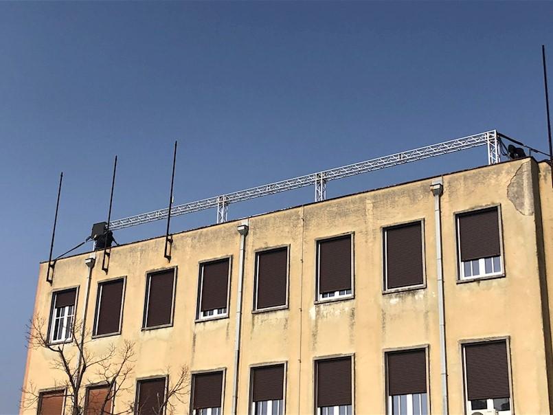 Postavljaju se zastavice i audiovizualne instalacije diljem grada