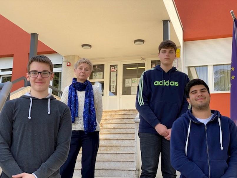 Labinski srednjoškolci zapaženi na županijskom natjecanju iz kemije
