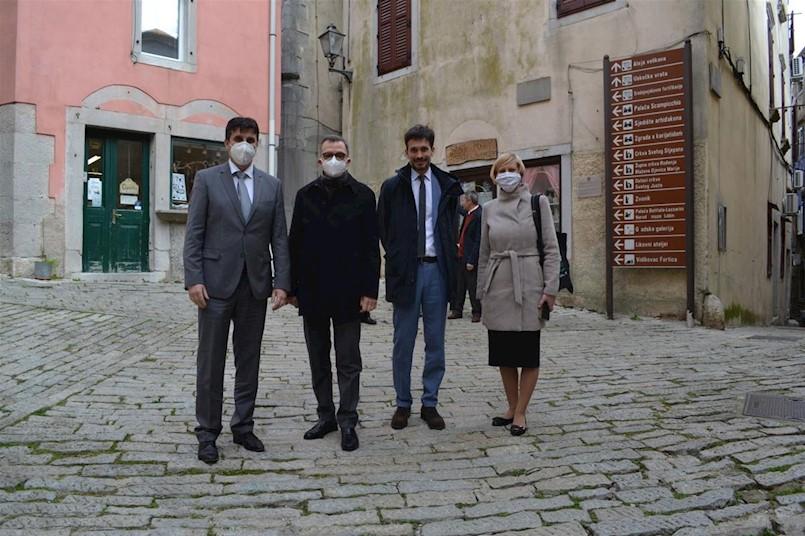 Veleposlanik Republike Italije NJ. E. Pierfrancesco Sacco nije krio oduševljenje Labinom