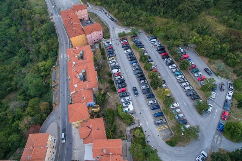 Početak kontrole na parkiralištu San Marco i obavijest za parking Stari grad Labin ( Rialto )