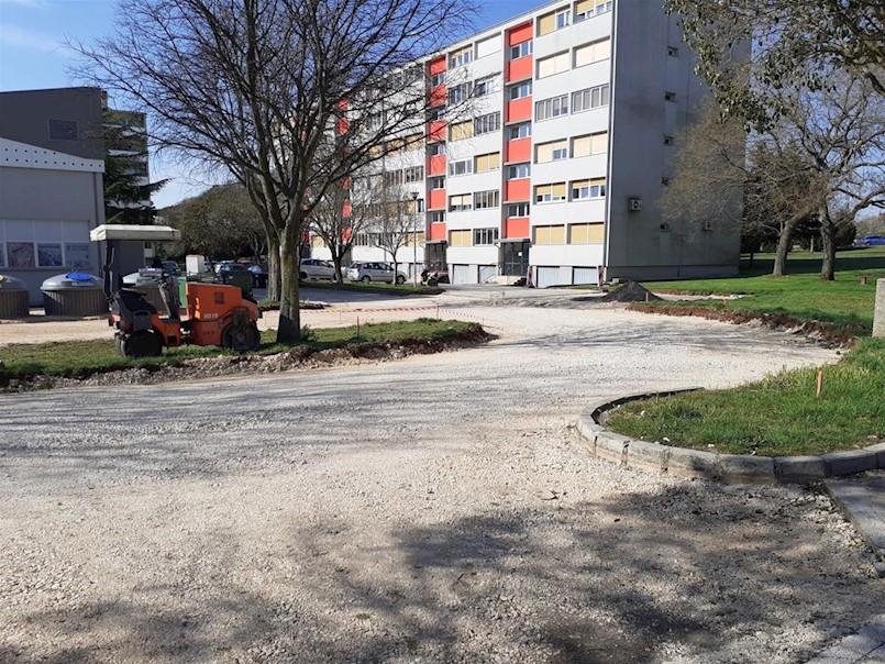 Novi asfalt za Prilaz Kikova