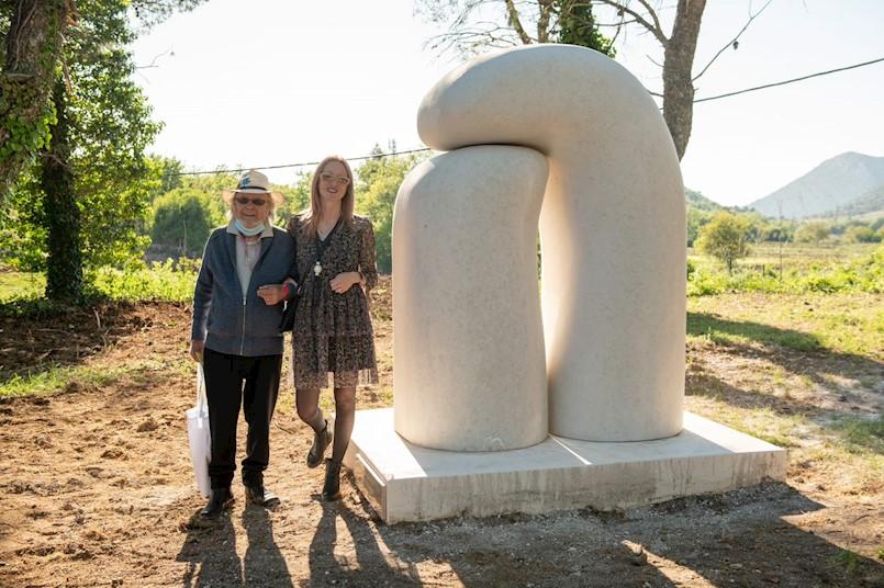 Predstavljena skulptura ''Dodir'' Emila Bobanovića Ćolića