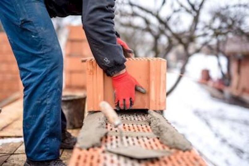 Općina Raša: Na snazi zabrana građevinski radova tijekom ljetne sezone