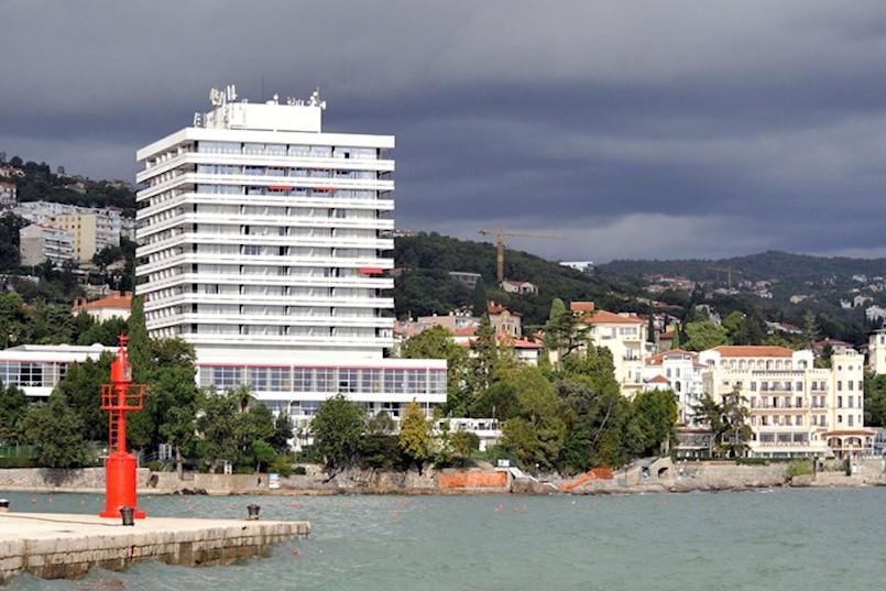 TKO ŽELI KUPITI RABAČKU MASLINICU? Obitelj Lürssen ima 18 hotela na opatijskom području, a grade jahte koje kupuju najveći svjetski milijarderi i pripadnici jet seta