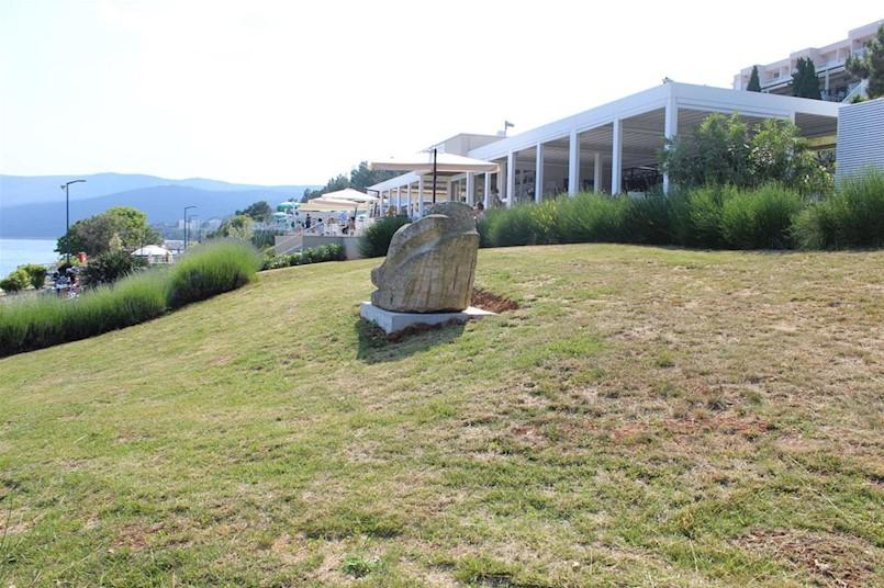 """Skulptura """"Odmor"""" Mate Čvrljka na novoj lokaciji"""
