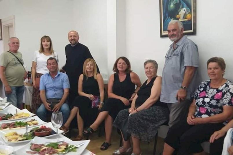 Pripadnici srpske manjine proslavili Petrovdan