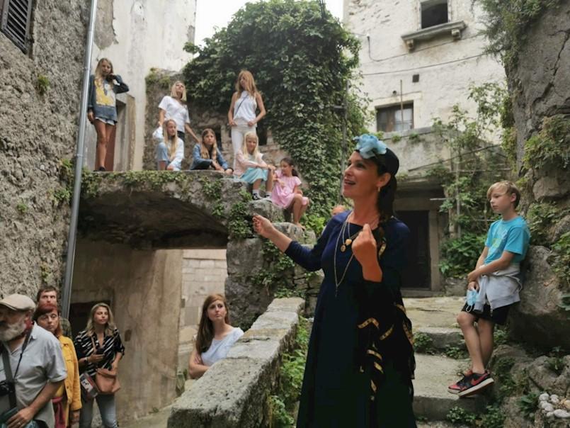 Održana prva storytelling interpretativna tura DOživi Plomin