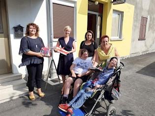 """Antikvarijatu udruge """"Krilo Labina"""" uručena vrijedna donacija Grada"""