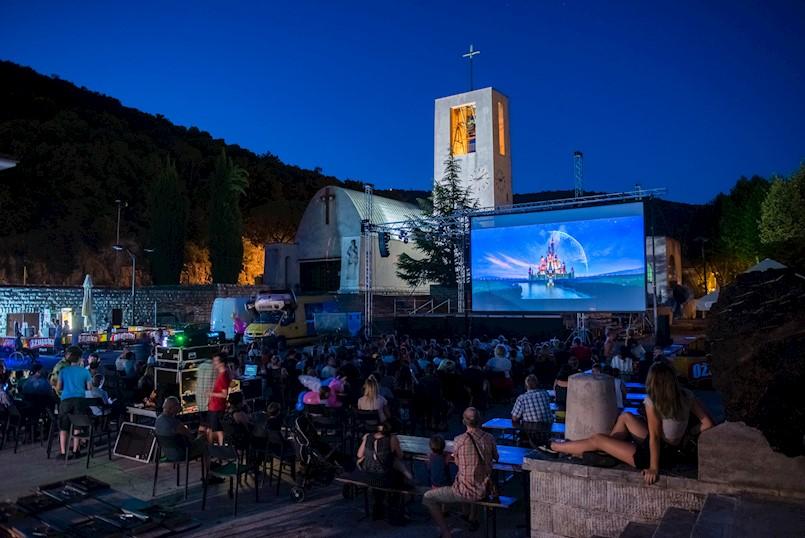 Kazalište i kino na raškom trgu