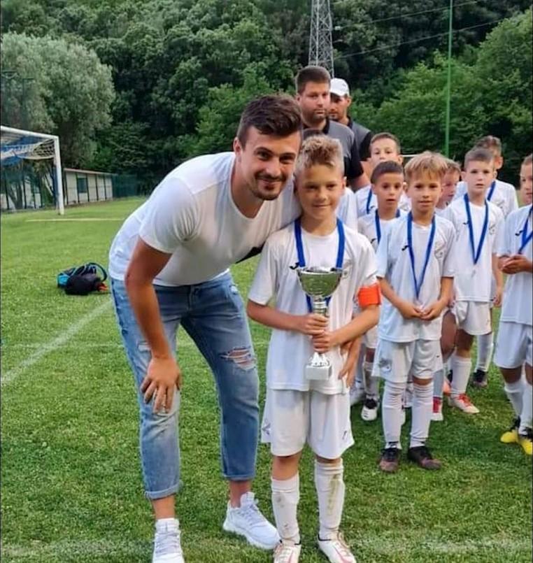 Mladom, 9-godišnjem nogometašu Luki Blaškoviću Priznanje Općine Sveta Nedelja