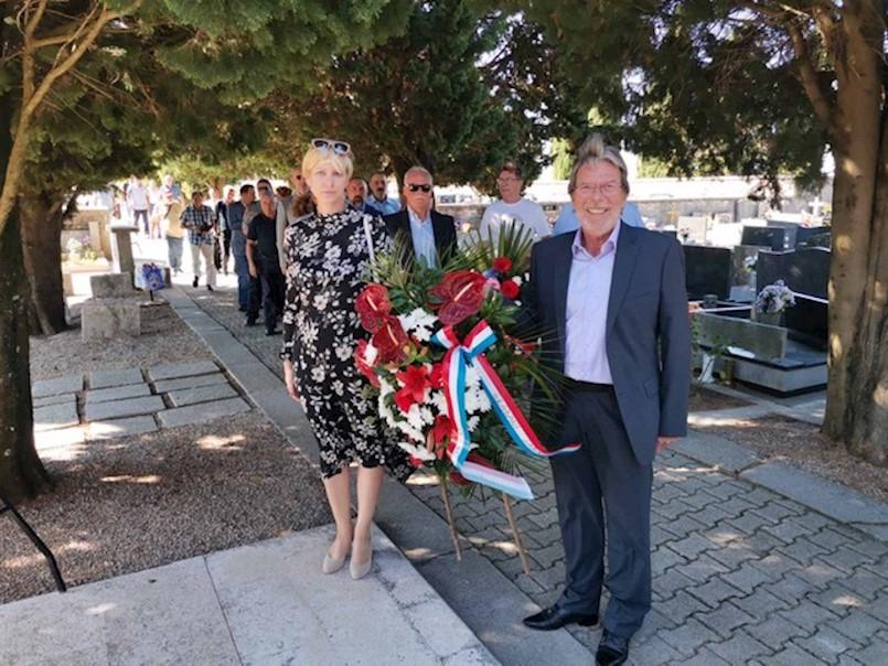 Polaganjem vijenaca na Gradskom groblju u Labinu obilježena 30. obljetnica osnivanja 119. brigade Hrvatske vojske