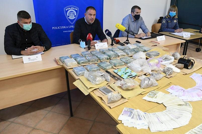 Prekinut krijumčarski lanac heroina Prema Labinu, Rovinju i Poreču