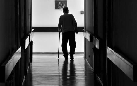 Golgota nadničarki: Gladne, bolesne i zlostavljane njegujemo starce po Italiji
