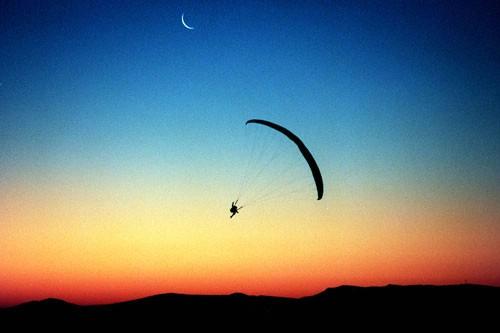 Paraglideri: Za razliku od drugih mjesta, iznad Buzeta se može letjeti stalno