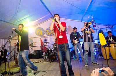 """Održan humanitarni rock koncert """"Za tvoj osmjeh Davide"""" u organizaciji udruge mladih BUM"""