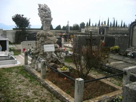 LABINSKI SPOMENICI: Grob Giuseppine Martinuzzi na labinskom gradskom groblju (projektant: Pio Silvio, arhitekt)