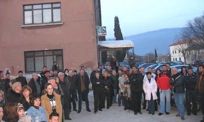 Mirni prosvjed: Roditelji protiv zatvaranja škole u Čepiću