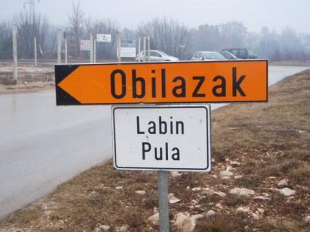 Hrvatske ceste trebaju napraviti nogostup na cesti Labin - Štrmac