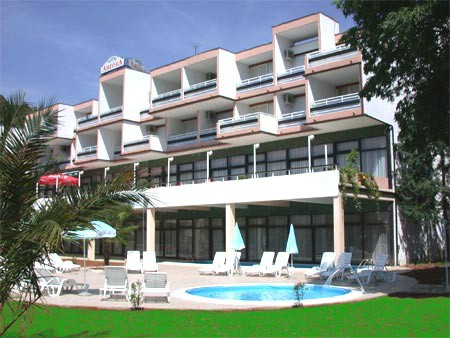 Bankomat u Rapcu: HPB dala 90 milijuna kuna kredita uz hipoteku na hotel Amfora