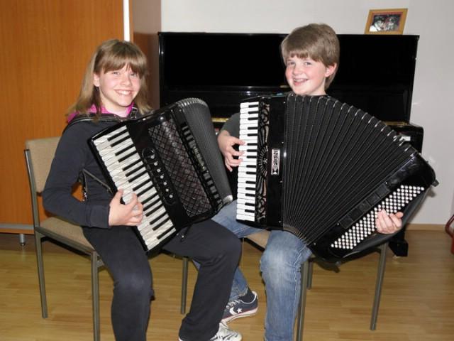 Mladi labinski harmonikaši  Adriana Miletić, Roberto Diminić i Mate Ružić najbolji  u svojoj kategoriji na međunarodnom natjecanju u Murskoj Soboti