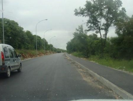 Ulaz u Labin: Radovi na asfaltiranju nogostupa