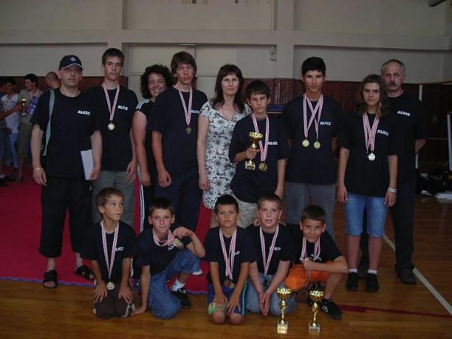 """Labinjani s osvojenih 20 odličja i tri pokala pojedinačno među najboljima na Međunarodnom Kupu u  kickboxingu """"Plitvice 2010"""""""