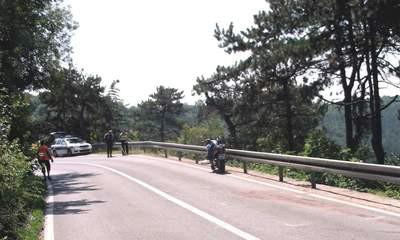 Raša: Motociklom udario u prikolicu