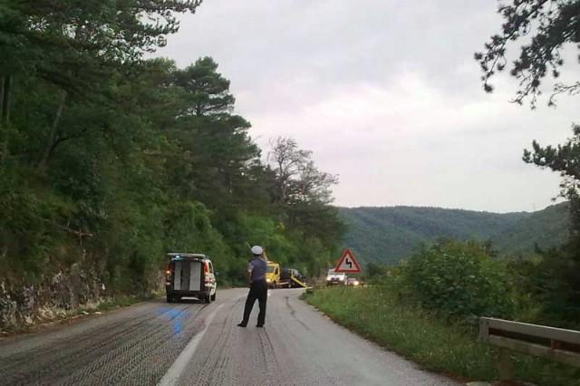 Prometne nesreće uvijek na istoj dionici D66: U sudaru autobusa `Briona` i automobila troje ozlijeđenih