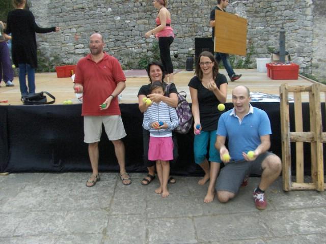 Tečaj žongliranja u Labinu - turisti oduševljeni