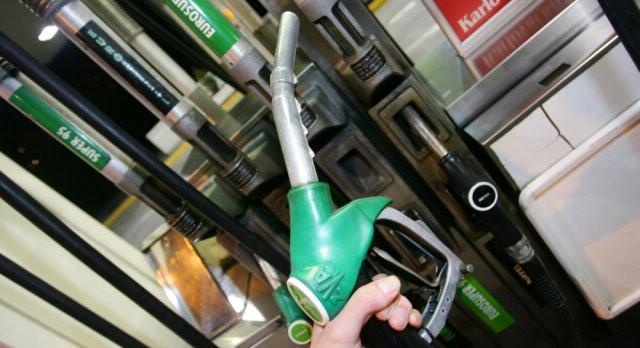 Novo poskupljenje: Cijene benzina više 21 lipu po litri!