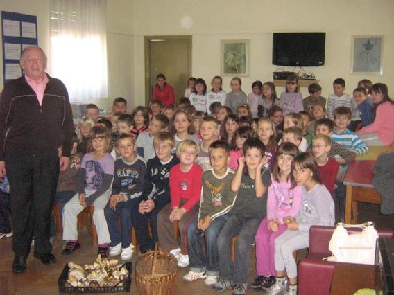 """U Osnovnoj školi """"Ivo Lola Ribar"""" iz Labina proveden projekt `Gljive`"""